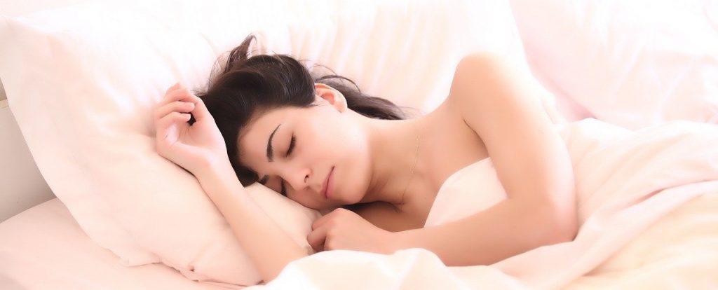 Mujer sueño profundo
